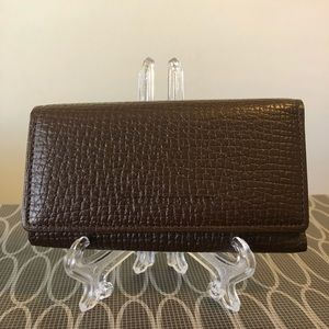 Excellent condition Burberry 5 key holder